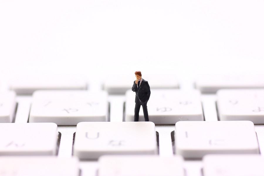 アフィリエイトで稼ぐ際にパソコン操作が得意でない場合の処方箋とは?
